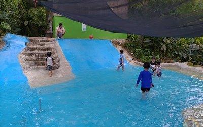 第二露-新竹五峰-勞恩布妮的家巴上露營區-滑水道小孩都玩瘋啦